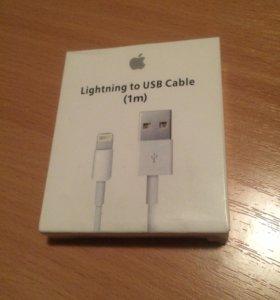 USB кабель Lightning на iPhone