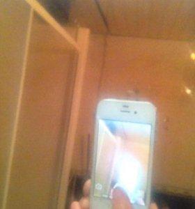 Айфон 4s оригинал ;и айфон 4 Китай на две симки