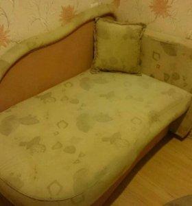 Кровать одноместная.