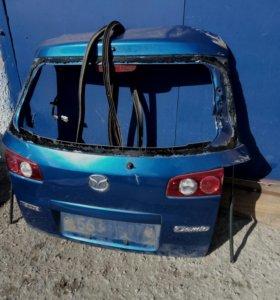 Мазда Дэмио DY3W Задняя крышка багажника