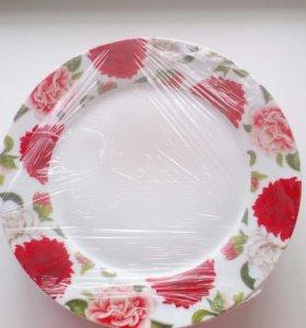Комплект 6 тарелок новый