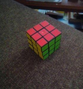 Кубик-рубик.