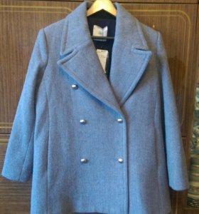 Стильное Новое пальто с биркой L