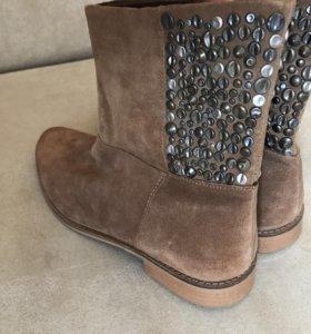 Новые ботинки страдивариус