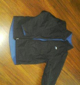 Куртка на весну фирма Nike