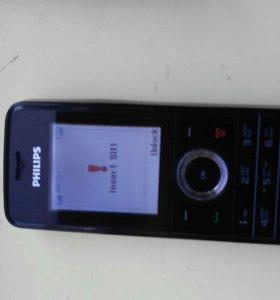 Кнопочный телефон Philips б/у