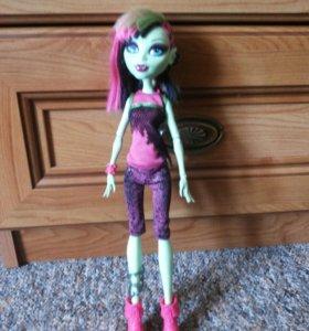 Продам куклу монстер хай Венера Макфлайтрап