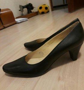 Туфли женские 40 размер новые