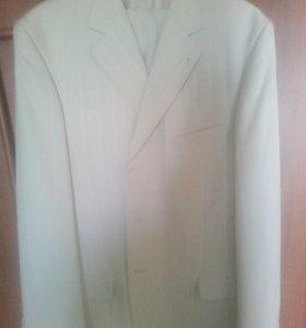 Костюм одевался всего один раз на свадьбу
