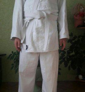 Профессиональное кимоно.