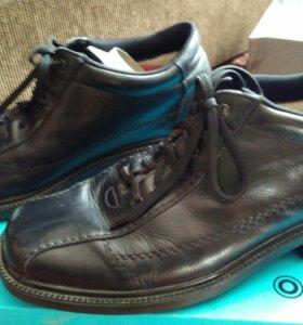 Натуральные мужские ботинки