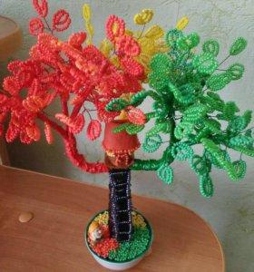 Деревце ручной работы из бисера