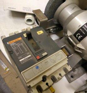Merlin Gerin Ns100N автоматический выключатель