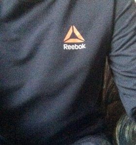 Новый long sleeve reebok.