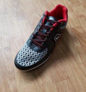 Кроссовки для спортзала