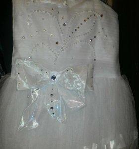Нарядное платье на 8-10лет