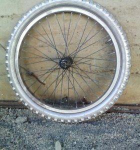 Руль и переднее колесо
