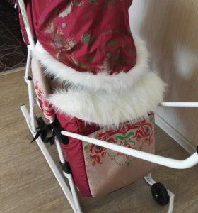 Санки-коляска «Тянитолкай»