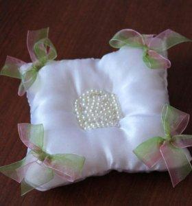 Подушка для колец на свадьбу
