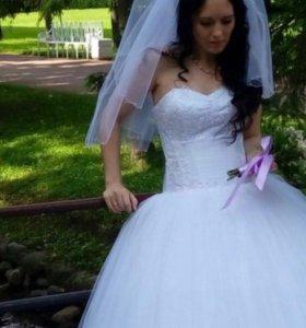 Платье,фата, кринолин,колье, сережки