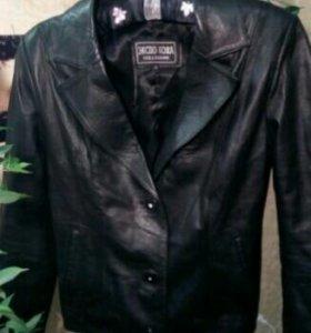 Кожаный пиджак, размер М
