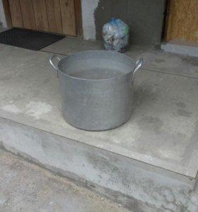 Кастрюля алюминиевая 40-литровая б/у