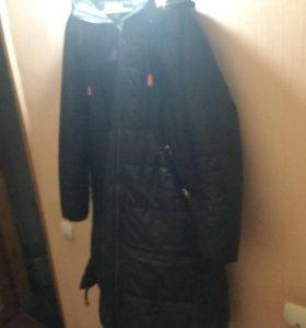Пальто 56 р чёрное в отличном состоянии