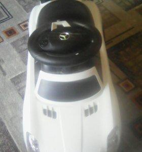 Продам детскую машину.