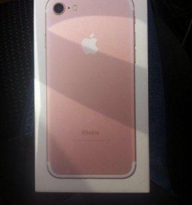 Айфон 7 на 32г розовый