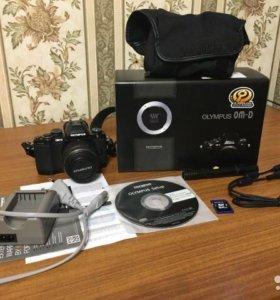 Фотокамера Olympus OM-D E-M10