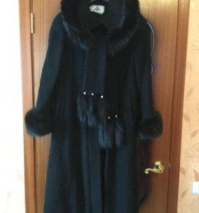 Пальто женское б/у 50-52 р