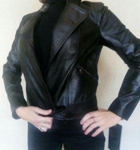Новая кожаная куртка 42