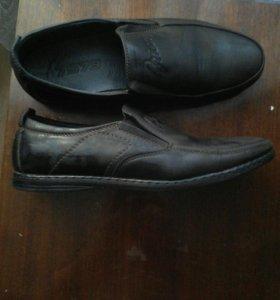 Мужские туфли кожа.39 размер.