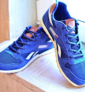 Новые Reebok кроссовки замша 43 размер