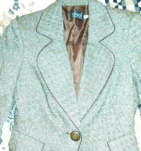 Пиджак в офисном стиле