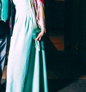 Платье вечернее с палантином.