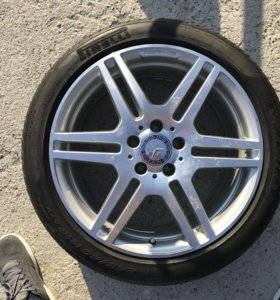 Pirelli 245-40-18