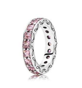 Кольцо Pandora с розовым кубическим цирконием.