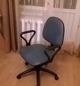 Компьютерное/офисное кресло
