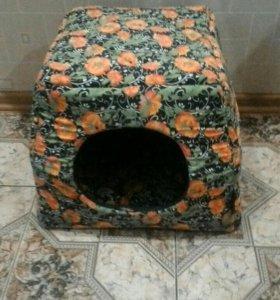 Лежанка-домик для собак и кошек