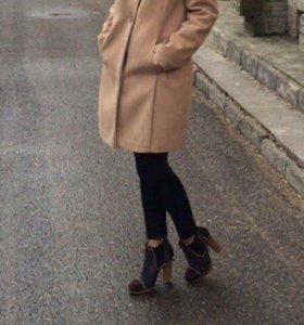 Пальто с мехом из натурального песца