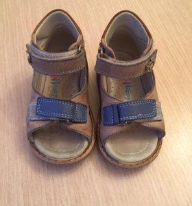 Happy Steps сандалии