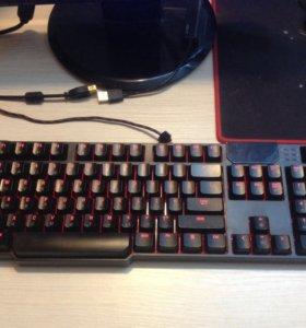 Игровая механическая  клавиатура bloody b540