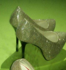 Новые очень красивые туфельки