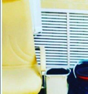 Кресло с подставкой для педикюра