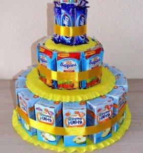 Торт из соков, барни и конфет