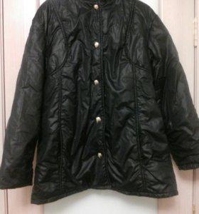 Куртка болоньевая с капюшоном на пуговицах