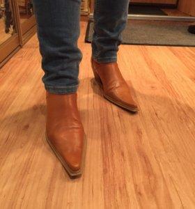 Ботинки осенние из кожи кэмел.
