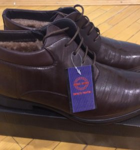 Ботинки зимние утеплённые новые ( не ношенные )