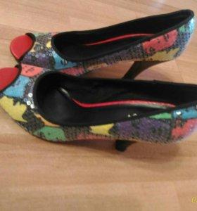 Туфли с пайетками